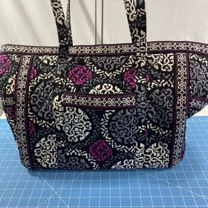 Vera Bradley Canterberry cotton Quilted Tote.